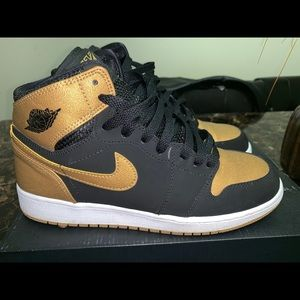 Shoes - Jordan melo 1s